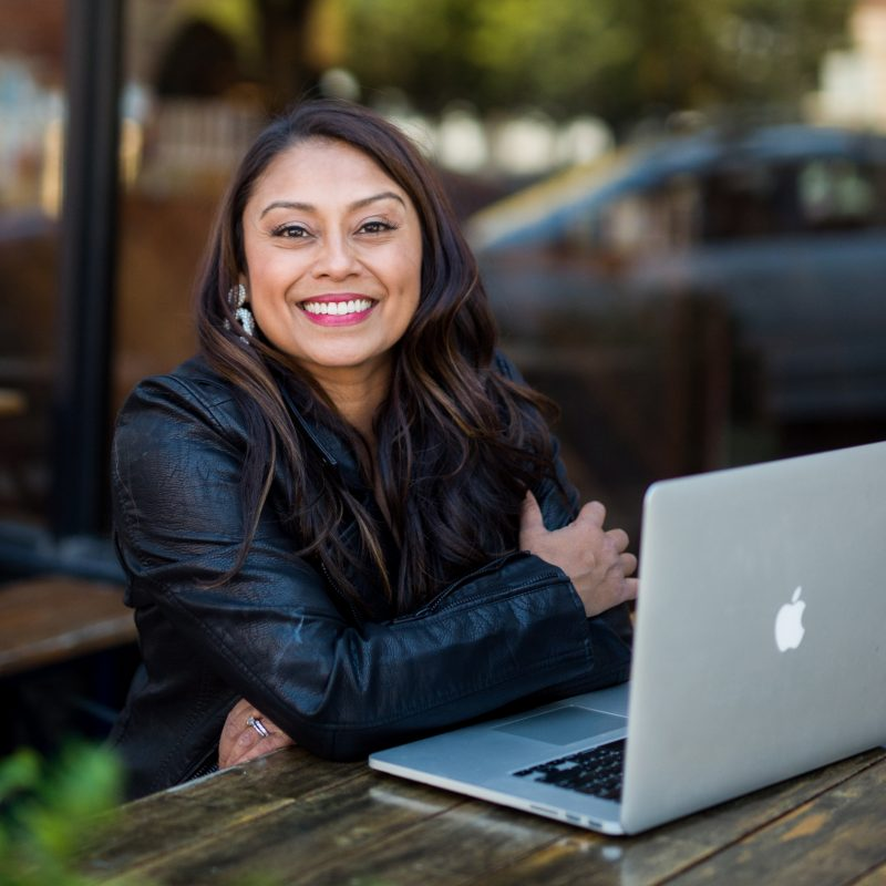 Mallika is a brand photographer and strategist who scaled her income by forming a membership program.